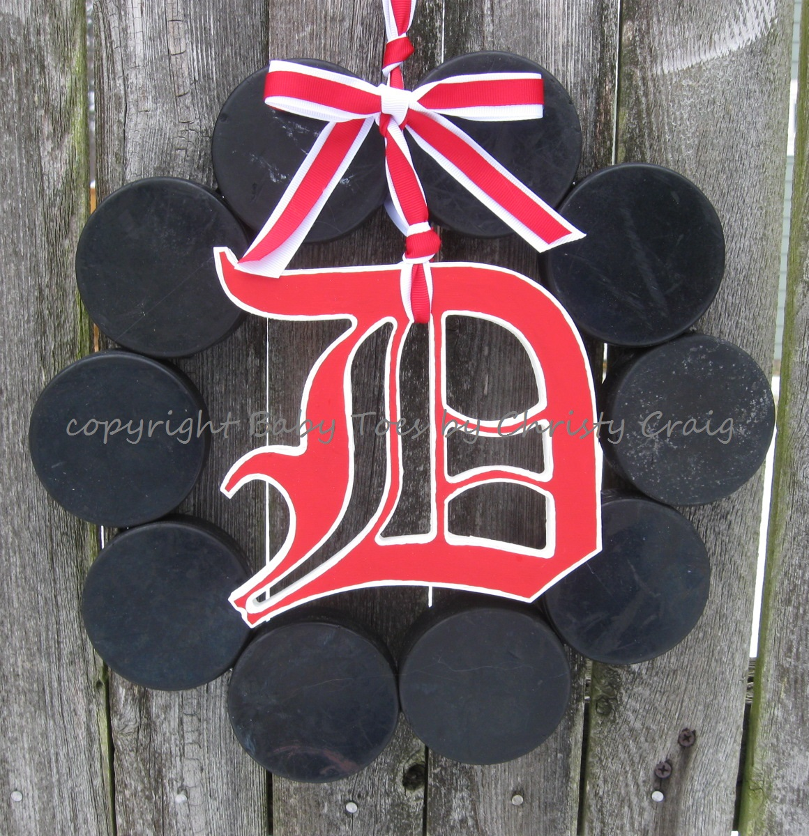 The Original Detroit Red Wings Hockey Wreath with Old English D